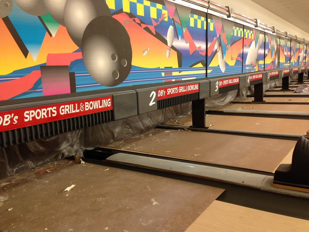 Post Construction Cleaning Service At Sports Gril And Bowling Alley