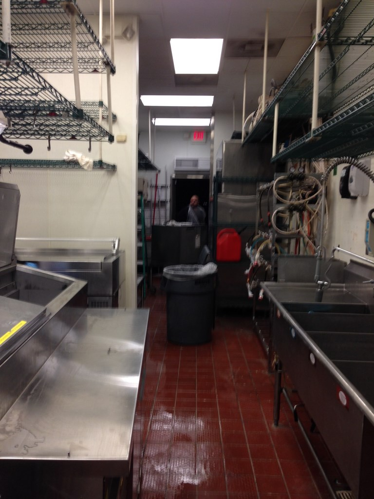 Fast Food Restaurant Kitchen Heavy Duty Deep Cleaning Service in ...