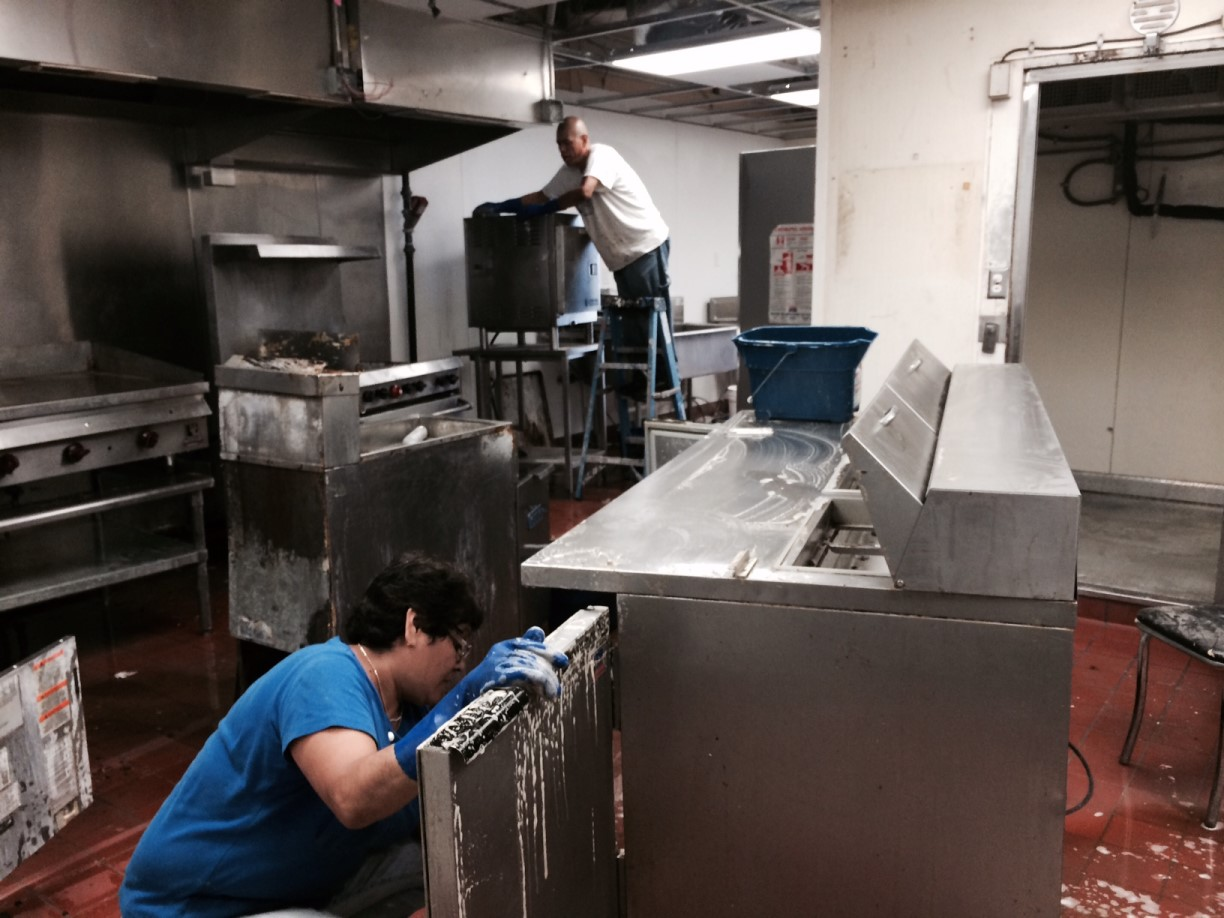 Uptown Seafood Restaurant Kitchen Deep Cleaning Service in Dallas ...