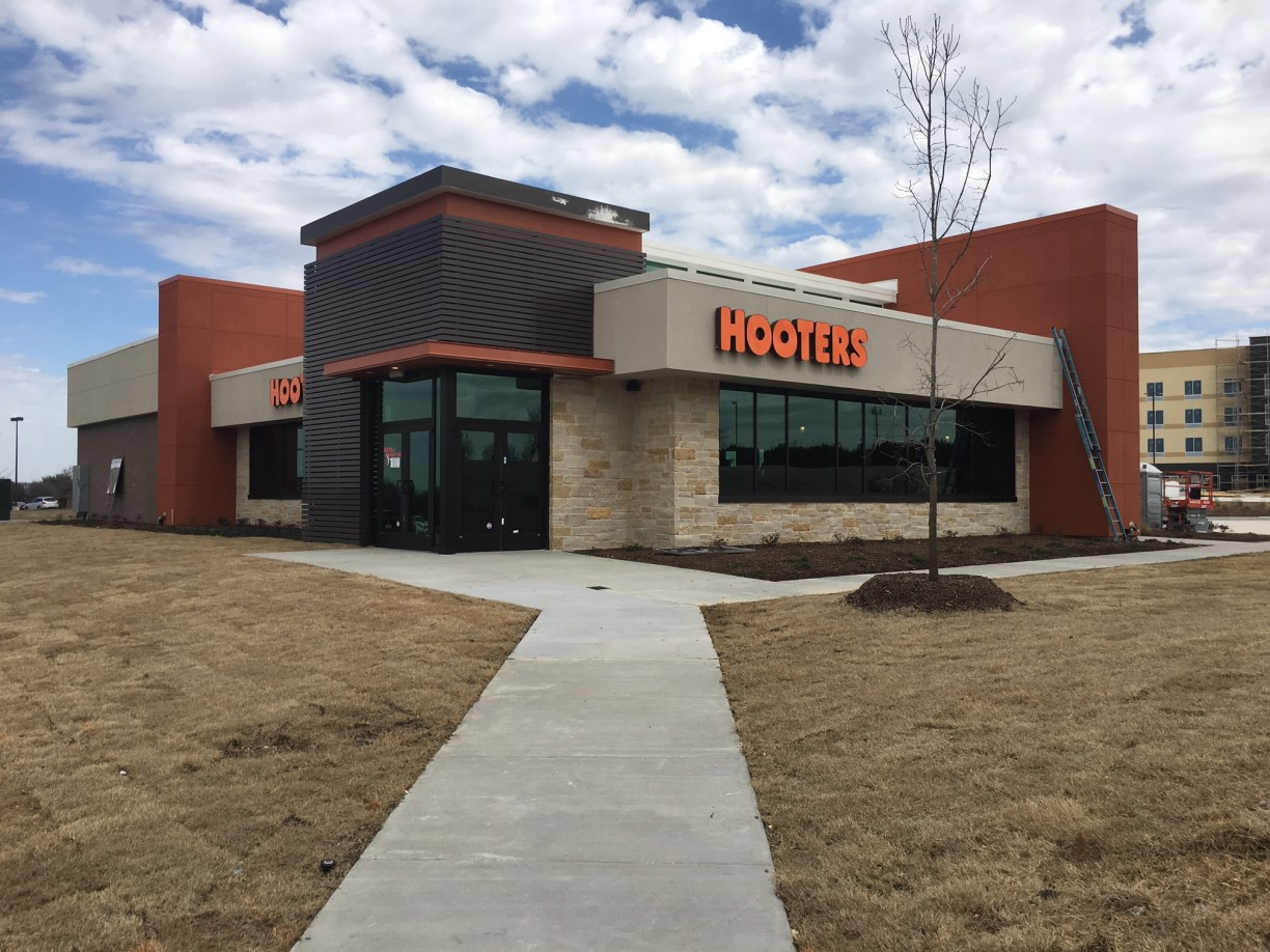 Hooters Restaurant Final Post Construction Cleaning In