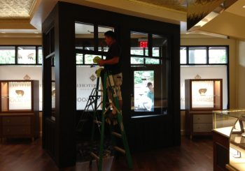 Post Construction Cleaning Service at Kelly Mitchell Jewelry Store in Highland Park Texas 09 5c8de00b2b192d8e3a4eb2633ae7a63d 350x245 100 crop Post Construction Clean Up Service at Jewelry Store in Highland Park, TX