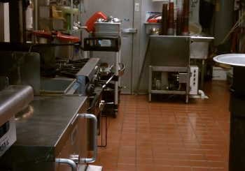 Restaurant 002 f17411758ff5fa42dc706aadcc875895 350x245 100 crop Restaurant & Kitchen Cleanup
