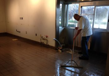 Restaurant Floor Sealing Waxing and Deep Cleaning in Frisco TX 13 e32aa40914635a88213abcf692468531 350x245 100 crop Restaurant Floor Sealing, Waxing and Deep Cleaning in Frisco, TX