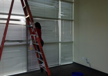 Warehouse Windows Cleaning in Frisco Tx 20 7b1b9a012caaa17332db9bc267d34bee 350x245 100 crop Warehouse and Office Windows Cleaning in Frisco, TX